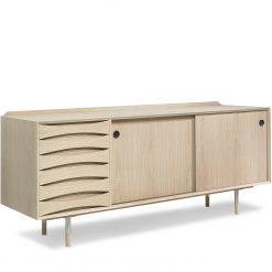 Arne-Vodder-skaenk-AV01-AV02-Eg-Oak-scaled