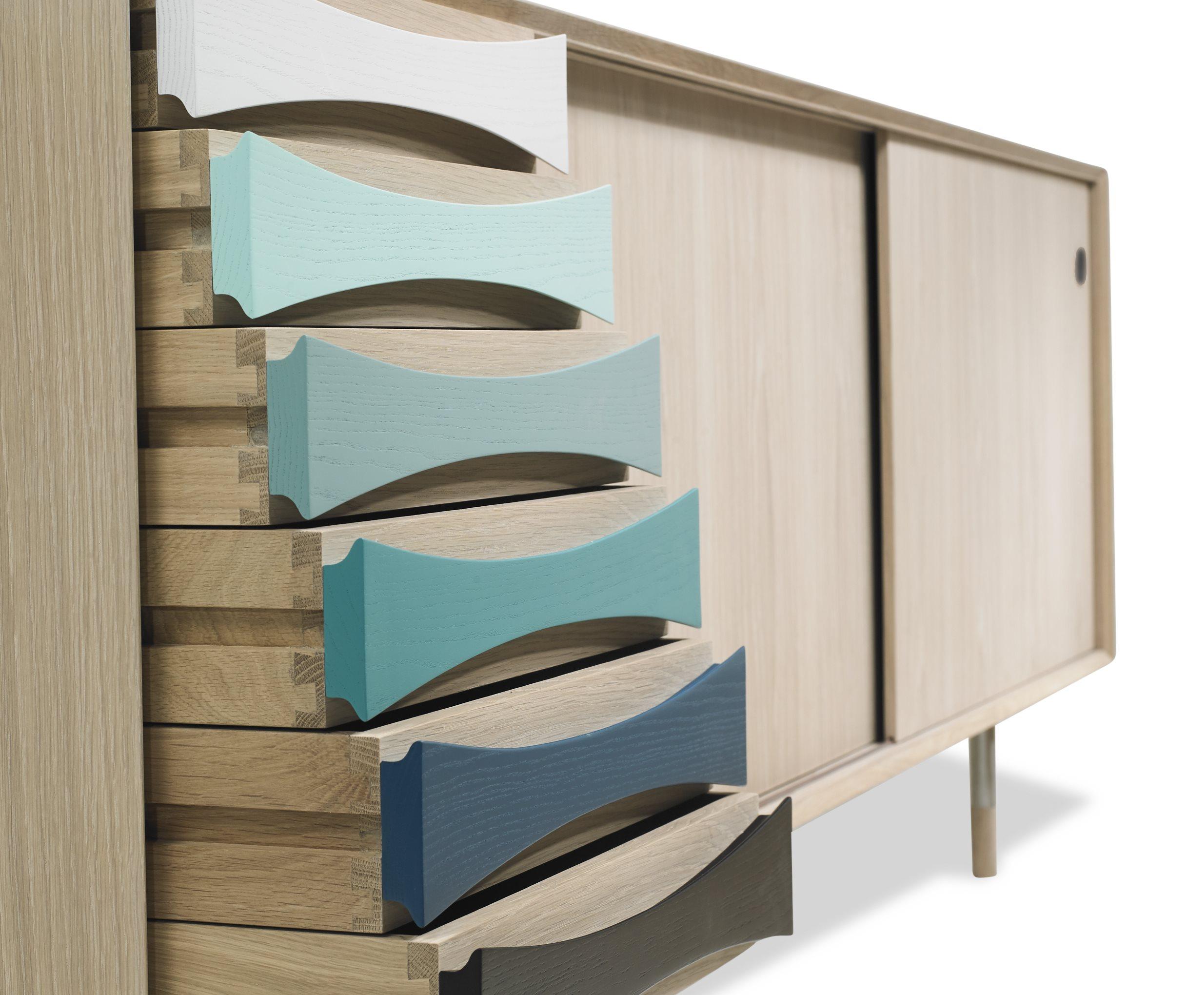 Arne-Vodder-skaenk-AV01-AV02-Eg-Oak-farver-detaljer.jpg
