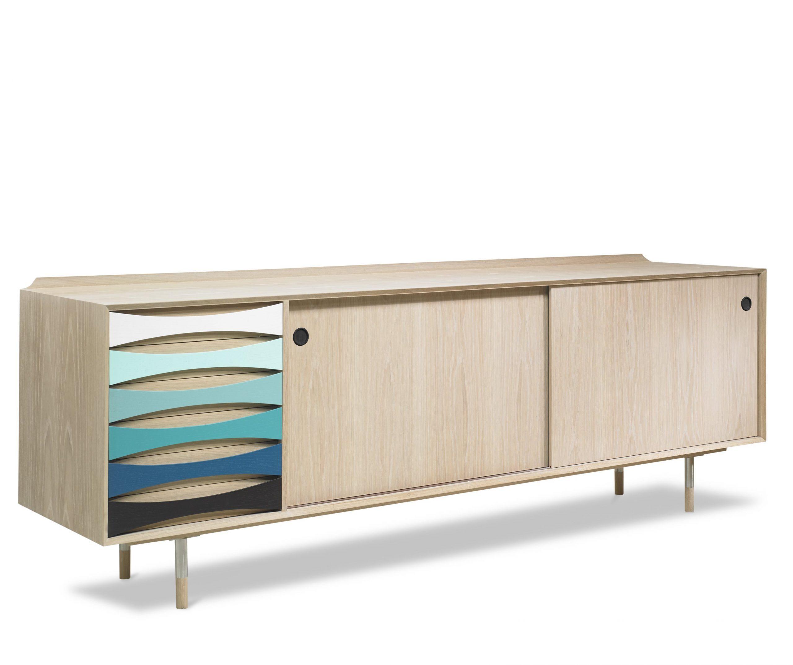 Arne-Vodder-skaenk-AV01-AV02-Eg-Oak-farver-scaled