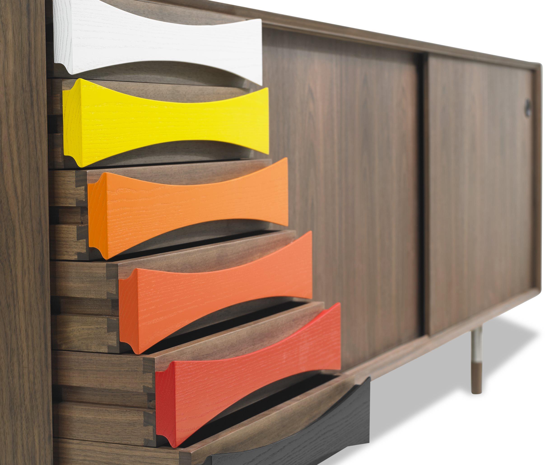 Arne-Vodder-skaenk-AV01-AV02-Valnoed-Walnut-Farver-detalje